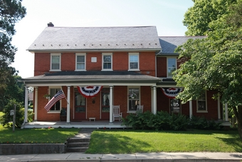 Inn Exterior, Blue Rock Bed and Breakfast