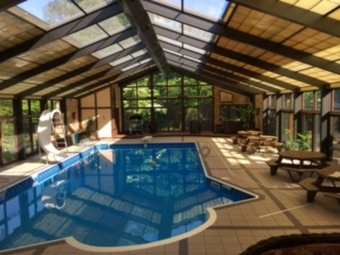 Swimming Pool Area, Lancaster Ridge Bed and Breakfast